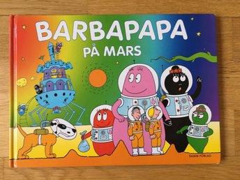 """Javascript är inaktiverat. - Ekerö - Bok """"Barbapapa på Mars"""" av Annette Tison & Talus Taylor Fint skick! Storlek: 27 x 19,5 cm Sidantal: 30 Vikt: 340 g Jag samfraktar gärna om du vinner flera av mina auktioner! - Ekerö"""