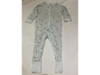 Vit söt pyjamas med hundar i stl. 86 från Åhléns (332949881) ᐈ Köp ... a4a054db270ff