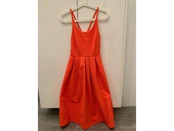 cca04bca4ff5 Midi-klänning från asos (344548336) ᐈ Köp på Tradera