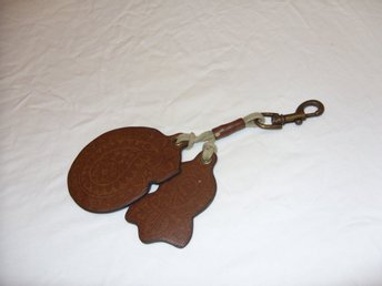Nyckelring Läder och mässing keychain & keyring Leather and brass Portugal