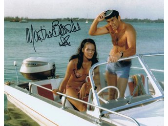 Äkta Autograf Martine Beswick James Bond COA