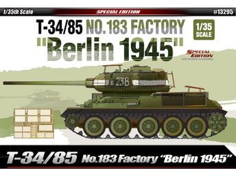 Academy 1/35 T-34/85 No.183 Factory Berlin 1945
