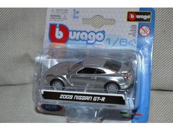 2009 Nissan GT-R (Burago 1:64) Silver/Metallic BBurago Ny - Hässleholm - 2009 Nissan GT-R (Burago 1:64) Silver/Metallic BBurago Ny - Hässleholm