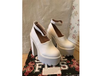 Jeffrey Campbell Scully White
