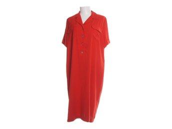 073067aeeab9 Burberry Klänningar ᐈ Köp Klänningar online på Tradera • 9 annonser