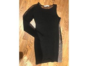 3d496c777759 Forever unique klänning M (340510474) ᐈ Köp på Tradera