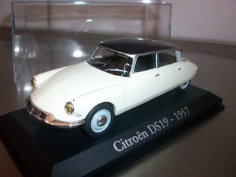 Citroen DS19 2-färg 1957 1:43, MINT!