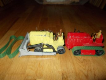 2 st HEAVY TRACTORER DINKY SUPERTOYS