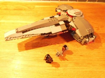 LEGO Star Wars #7663 Sith Infiltrator Review