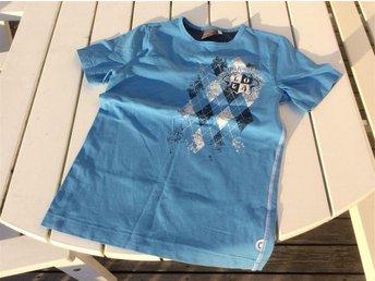 Snygg t-shirt strl 146/152, House of Lola - Enköping - Snygg t-shirt strl 146/152, House of Lola - Enköping