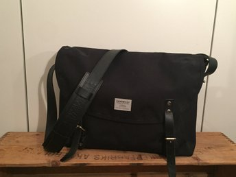 Sandqvist Erik messenger bag - MYCKET FINT SKICK (339069085) ᐈ Köp ... ff7d217fb4e84