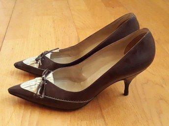 skor med tår