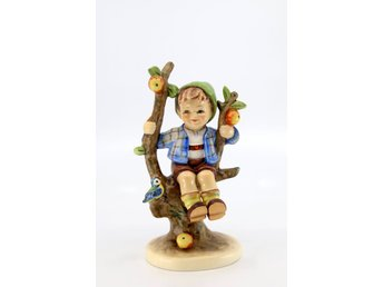 "Hummel figurin ""Apple tree boy"" nr 142/1 (TMK-3 60-70-tal)"