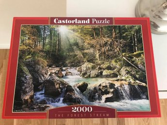 "Pussel, nyskick! Castorland Puzzle 2000 bitar, motiv ""The Forest Stream"""