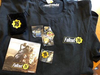Fallout 76 merch. CD, knappar, t-shirt i XL