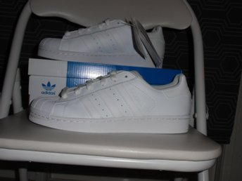 Fina Adidas Superstar (Stl.38)Nya .Originals Foundation Sneakers Vita låga skor