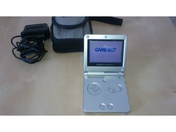 Nintendo Gameboy Advance SP med väska och laddare