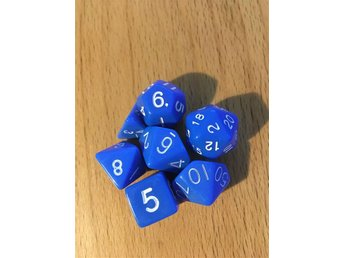 7 stycken tärningar rollspel T4, T6, T8, T10, T12, T20, T00-90. Blå - Säffle - 7 stycken tärningar rollspel T4, T6, T8, T10, T12, T20, T00-90. Blå - Säffle