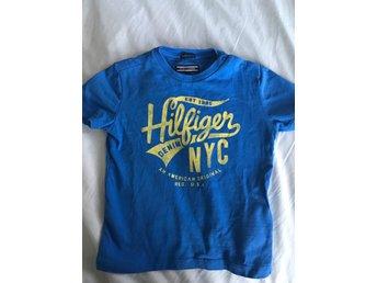 Tommy Hilfiger t-shirt. Strl 86. - Rönninge - Tommy Hilfiger t-shirt. Strl 86. - Rönninge