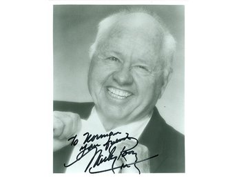 MICKEY ROONEY AMERICAN ACTOR VAUDEREVILLIAN COMEDIAN PRODUCER AUTOGRAF FOTO