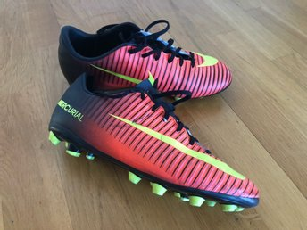 Nike Mercurial soccer/football boots
