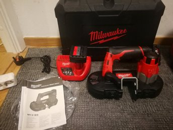 Milwaukee M12 Bandsåg