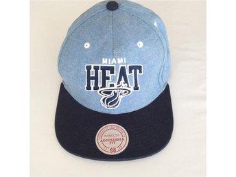 Mitchell & Ness KEPS, Miami Heat ljusblå/blå - Skoghall - Mitchell & Ness KEPS, Miami Heat ljusblå/blå - Skoghall