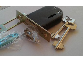 LÅS.Garage/Storage/Lock  Lever Type With Double Bitted Keys.With 2 Keys