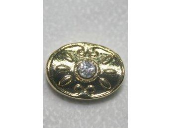 Oval guldfärgad metallpärla med Rhinestone - 4st - Vallentuna - Oval guldfärgad metallpärla med Rhinestone - 4st - Vallentuna