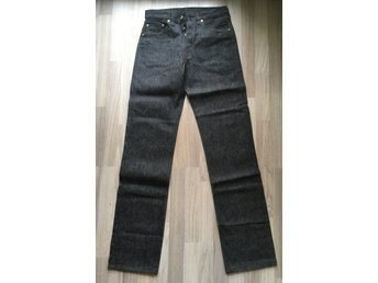 Vintage death stock 90s Levis 501 jeans 30/34 Made in U. S. A.