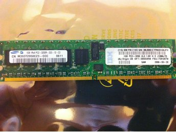 IBM 2GB kit (2x1GB) PC2-3200 ECC 30R5090