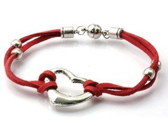 Armband med pärlor o magnetlås (335009327) ᐈ Köp på Tradera 0057d88afc12b