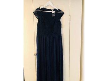 lång blå klänning