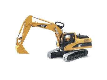 Bruder Grävmaskin CAT 1:16 02438 - Sk Venlo - Din äventyrare kommer att ha massor av skoj med denna 1:16 CAT grävmaskin från Bruder! Denna Bruder-modell är en verklighetstrogen återgivning av CAT-grävmaskinen designad för användning på byggarbetsplatser, inom jordbruk och till och - Sk Venlo