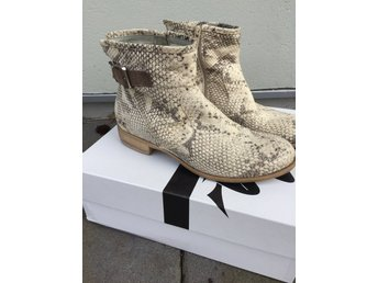 Nude boots stl 39