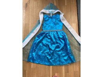 Elsa frost klänning cape 122128 (413124972) ᐈ Köp på Tradera
