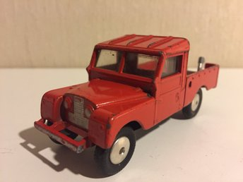 Vintage early Corgi toys Land Rover Series 1 L.W.B tow truck. Made in GT Britain