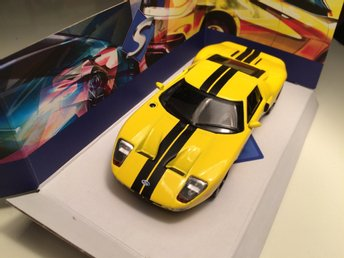 Ford GT 2008. Skala 1:43. Solido
