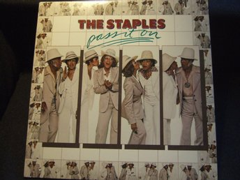 LP - THE STAPLES. Pass it on. 1976