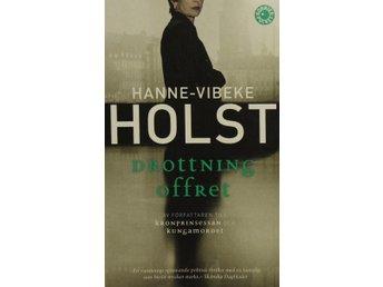 Drottningoffret, Hanne-Vibeke Holst (Pocket) - Knäred - Drottningoffret, Hanne-Vibeke Holst (Pocket) - Knäred