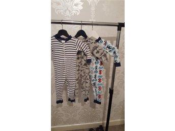 3 pyjamaser från kappahl. Strl 74/80 . - Bollstabruk - 3 pyjamaser från kappahl. Strl 74/80 . - Bollstabruk