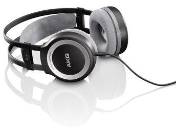 Javascript är inaktiverat. - Stockholm - AKG K 512 är hörlurar som passar utmärkt till stereon hemma , MP3 , CD-spelare men också datorer och Notebooks. K 512 är en riktig arbetshäst som fungerar överallt med ett väldigt bra ljud till en förhållandevis liten peng.Specifikat - Stockholm