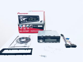 Pioneer DEH-X5700BT Bluetooth AUX MP3 Bra Skick