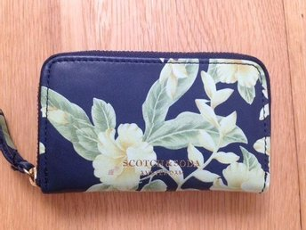 Small coin wallet from Maison Scotch with tropical flower print - Uppsala - Small coin wallet from Maison Scotch with tropical flower print - Uppsala