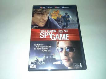 Spy Game (av Tony Scott med Brad Pitt, Robert Redford)
