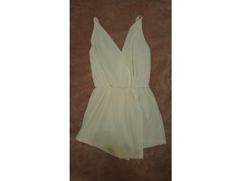Reverse small/medium vit playsuit jumpsuit byxdress klänning köpt i Sydney