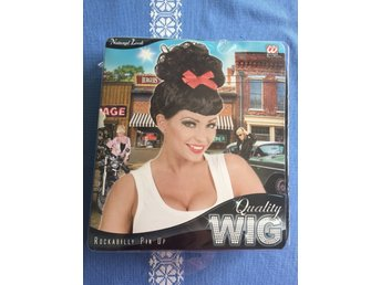 Rockabilly pin up wig quality peruk. Ny i förpackning!