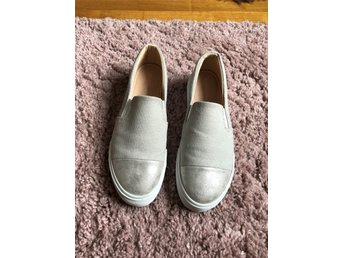 Slip on sneakers strl 38