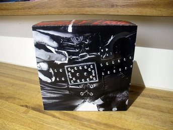 "MÖTLEY CRÜE- TOO FAST FOR LOVE BOX  for 7"" Record Singles!"