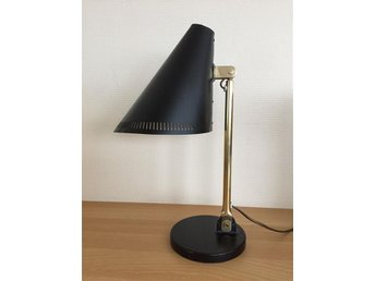 Paavo Tynell Taito/Idman table lamp